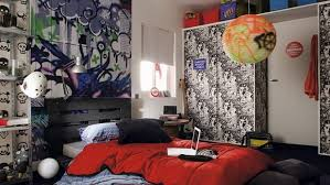 Graffiti Decorating Ideas For A Very Cool Teen Bedroom Look - Graffiti bedroom