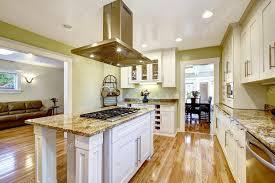 cuisine integre îlot de cuisine intégré poêle plaque en granit et capuche