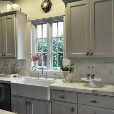 pictures of kitchens with gray cabinets gray farmhouse kitchens design ideas