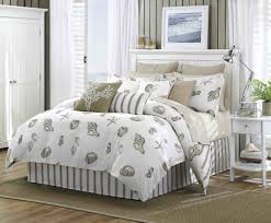 Old Fashioned Bedroom by Cheap Decorating Ideas For Apartments Bedroom Designs Small Rooms