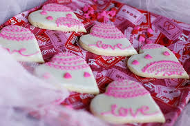 Valentine S Day Decorated Sugar Cookies by Valentines Sugar Cookies With Royal Icing