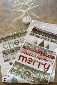 merry u0026 cheer quilted christmas table runner pattern the polka