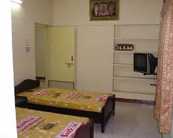 working fully furnished on single or hostel pg