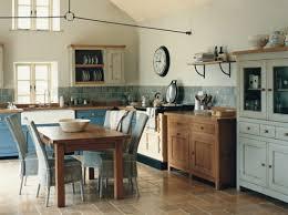 cuisine grange comment rénover une grange avec succès kitchen pantries