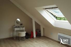 chambre dans les combles aménager des combles et extension de maison avec snr entreprise