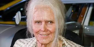 Halloween Heidi Klum by Heidi Klum Transforms Herself Into Old Lady For Annual Halloween