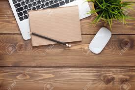 Schreibtisch Tisch Schreibtisch Tisch Mit Computer Zubehör Und Blume Ansicht Von