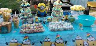 Minions Candy Buffet by This Is My Candy Table I Did Myself With The Beautiful Center