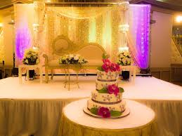 wedding venue backdrop cake and backdrop at wedding venue woodhaven manor