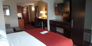 London Hotel With Jacuzzi In Bedroom Holiday Inn Express U0026 Suites Auburn Hotel By Ihg