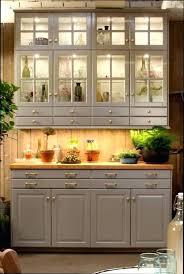 meuble cuisine vitré meuble cuisine suspendu meuble cuisine vert pomme meuble cuisine