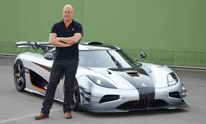one 1 koenigsegg koenigsegg one 1 supercar even has titanium in its engine oil video