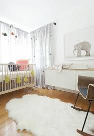 rideau chambre bébé idées en 50 photos pour choisir les rideaux enfants