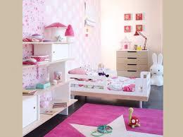 chambre petit fille idée déco chambre fille 3 ans