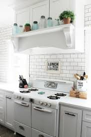 Old Farmhouse Kitchen Cabinets Best 25 Vintage Farmhouse Ideas On Pinterest Vintage Farmhouse