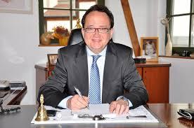 Seit über zwanzig Jahren agiert Michael Czerwenka nicht nur als ... - 2012.06.21-czerwenka-finanz-001