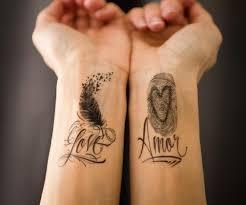 tattoos männer sprüche 35 ideen für schriften sprüche und schriftarten