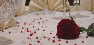 gems for table decorations tips and tricks to decorate your wedding tables everafterguide