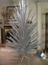 7 ft evergleam aluminum tree w revolving light