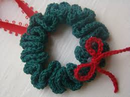 free crochet pattern wreath ornament