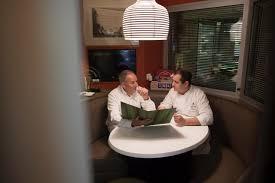 recherche chef de cuisine dans les coulisses du restaurant le cinq hôtel george v