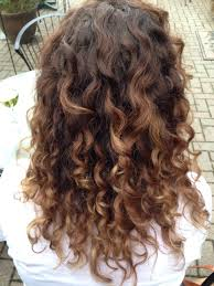 why is my hair curly in front and straight in back naturally curly hair carmel ombré by the best in the business