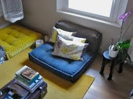 cuscini a materasso da un materasso a un divano a cuscini trapuntati