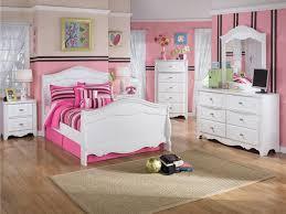 Cherry Wood Sleigh Bedroom Set Bedroom Sets Wooden Home Furniture Ideas For Bedroom Using