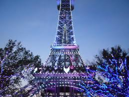eiffel tower christmas lights king s island eiffel tower by highlighterzombie on deviantart