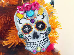 dia de los muertos ornaments made from dollar store paper plates