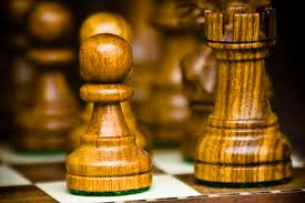 file chess pieces pawn and rook jpg wikimedia commons