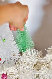 diy bottle brush tree wreath plus the easiest decorating tip