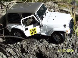 white jeep sahara 2 door tb2hvkb travel bug dog tag tb white jeep sahara 2 door
