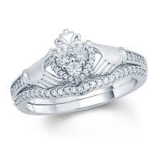 claddagh wedding ring set claddagh rings rings zales