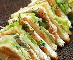 recette de canapé avec de mie sandwich au saumon fumé recette de sandwich au saumon fumé marmiton