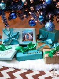 creative holiday wrapping ideas inspired by charm