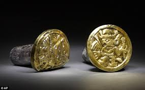 treasures of the peruvian royal tombs archaeologists find