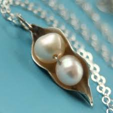 two peas in a pod jewelry two peas in a pod pearl necklace for