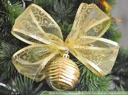 Decorate Christmas Tree On A Budget by How To Choose Ornaments For Your Tree When You Are On A Budget