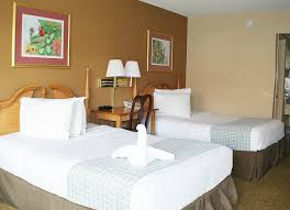2 bedroom suites in kissimmee florida roomba inn suites welcome to your home away from home