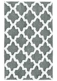 Black And White Bathroom Rug by Amazon Com Jessica Simpson Quatrefoil Bath Rug Oyster Gray White
