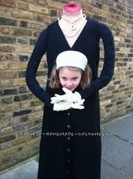 Tudor Halloween Costumes Coolest Beheaded Anne Boleyn Costume