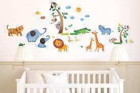 stickers animaux chambre bébé top 5 des stickers muraux pour décorer la chambre de bébé guide