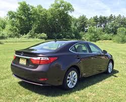 lexus es hybrid sedan review 2014 lexus es 300h combines modest luxury with hybrid