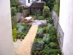 backyard design plans amazing 21 narrow backyard ideas narrow backyard design ideas