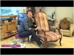 canapé cuir de qualité petit canapé cuir bonne qualité restaurer un fauteuil voltaire