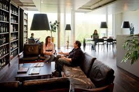 neue büros in zürich eröffnet im weinkeller von google blick