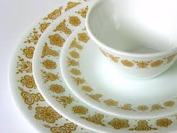 why corelle butterfly gold plates became so popular in the 1980s
