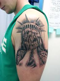 black shoulder tattoo 30 awesome statue of liberty tattoos