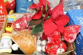 christmas food baskets warwick ecumenical food pantry distributes more than 200 christmas